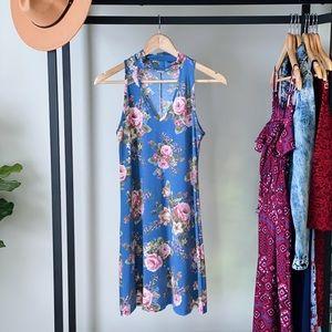 Floral v-neck flowy dress